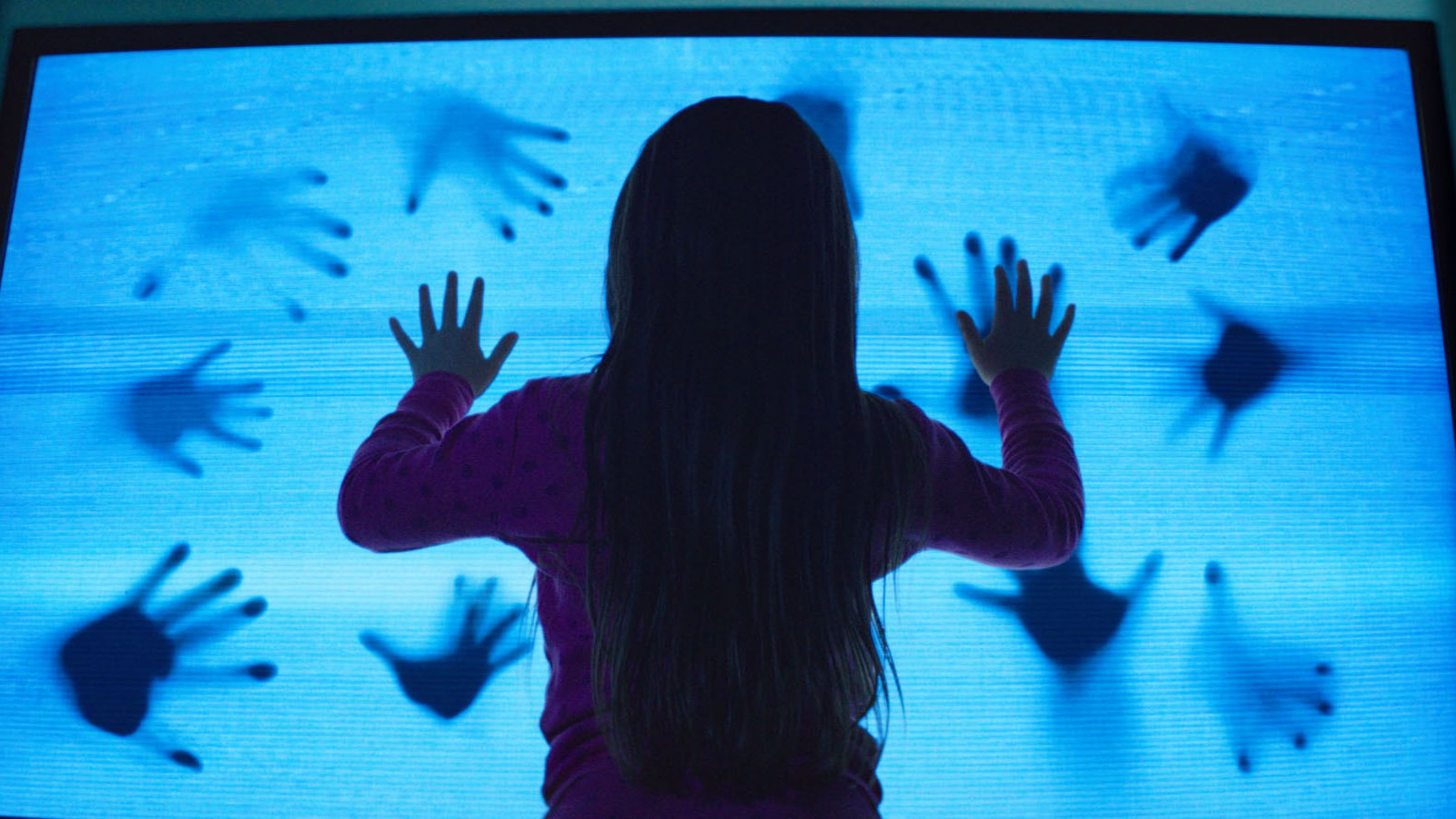 poltergeist-2015-featured