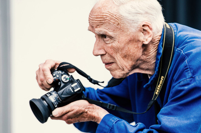 Bill Cunningham, Legendary Times Fashion Photographer, Dies at 87