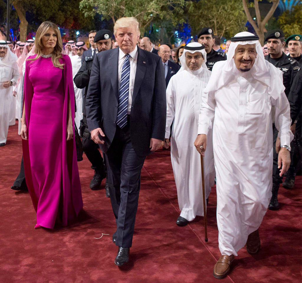 melania-trump-purple-dress-saudi-arabia-06