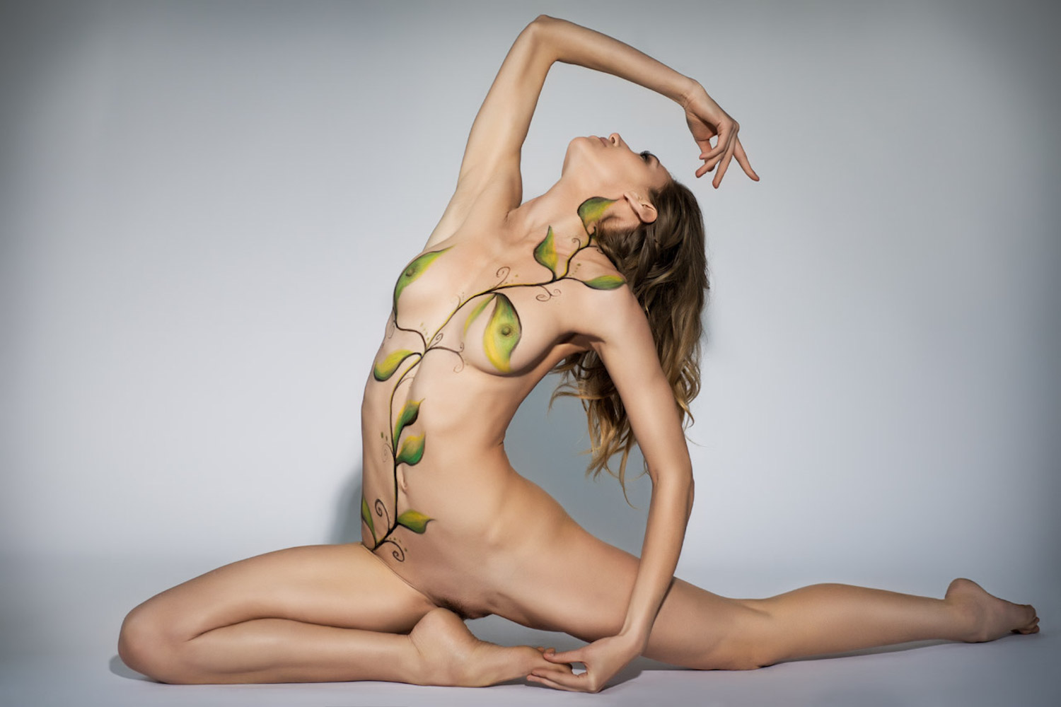 Nude Showcase: Of Earth and Air
