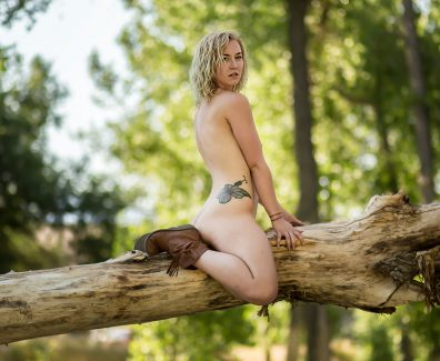Nude Showcase – Golden Light9
