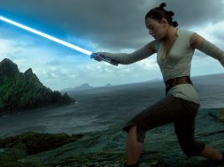 rey-will-definitely-wield-the-skywalker-saber-for-at-least-some-of-the-last-jedi