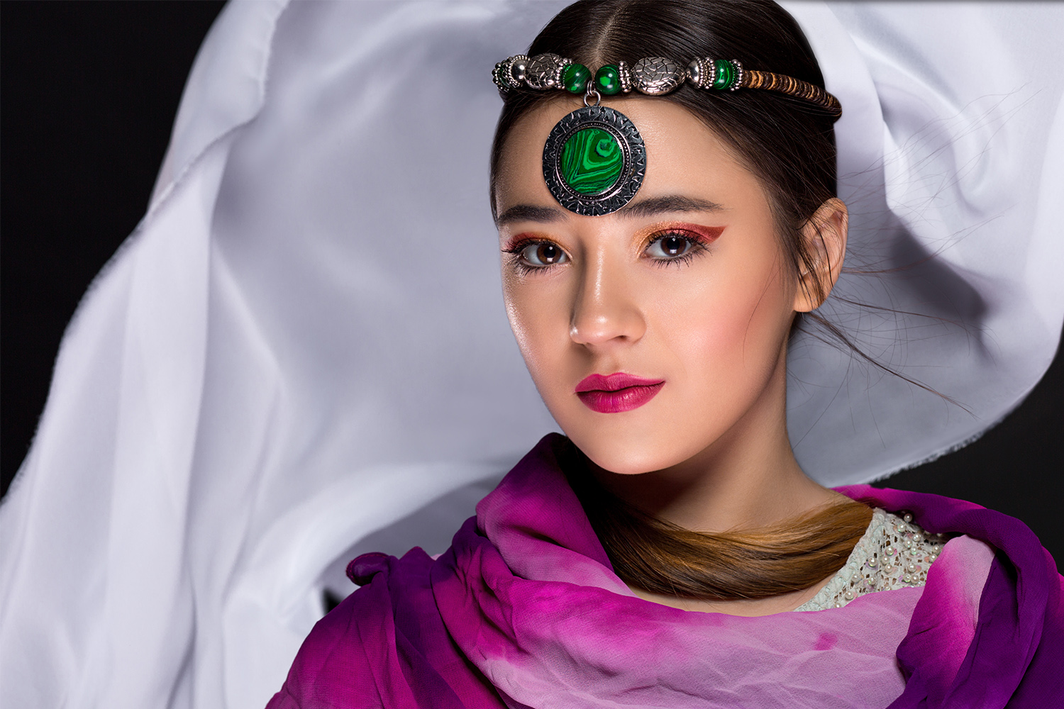 Solis Magazine Photography Showcase – Oriental colors