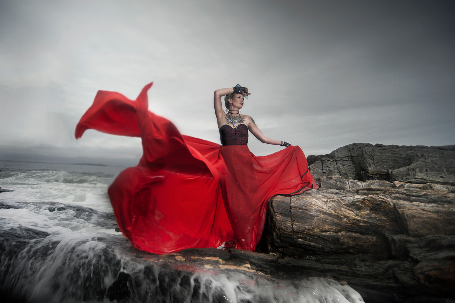 Solis Magazine Photography Showcase – Lady in Red
