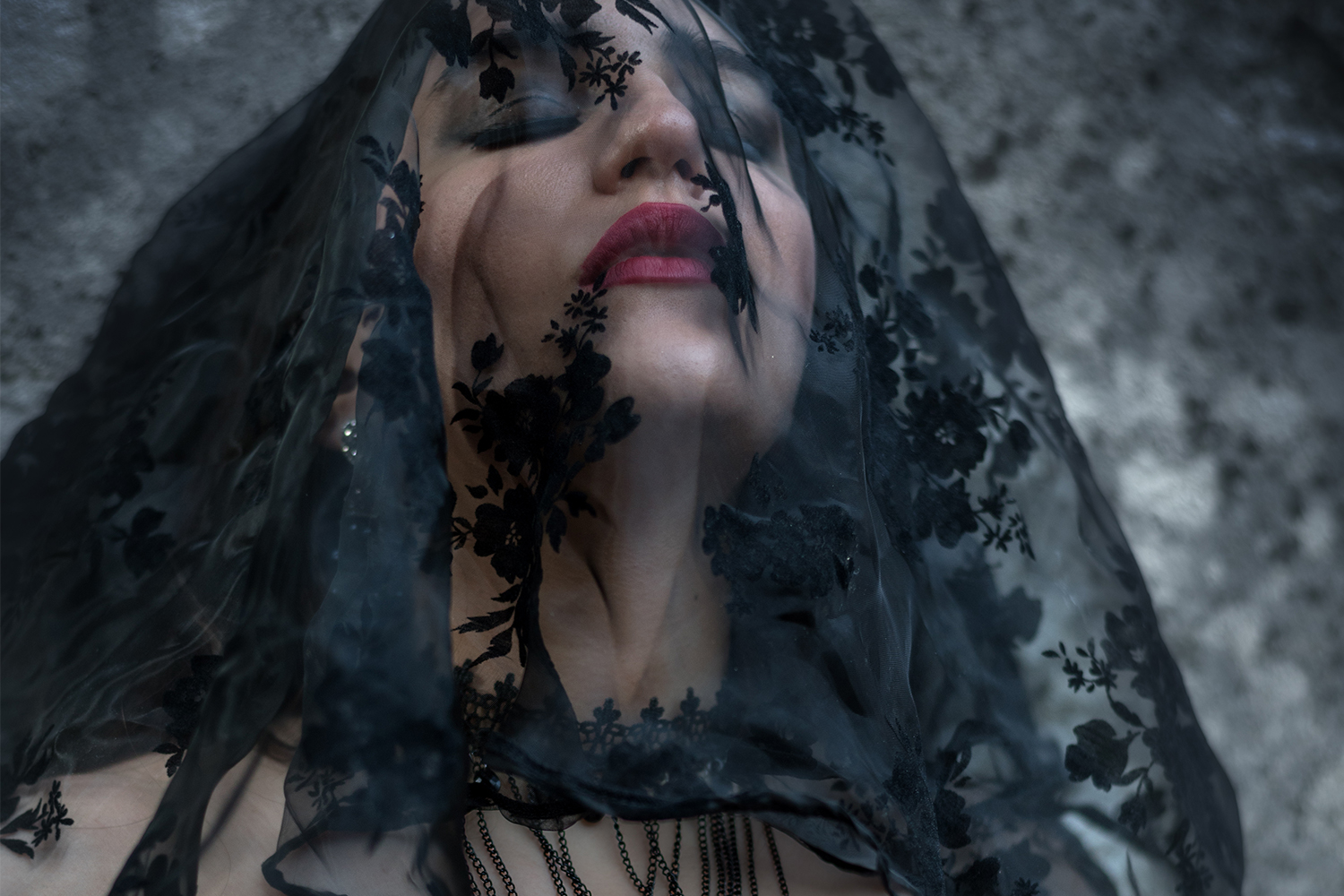 Solis Magazine Photography Showcase – Annalinda's victorian gothic