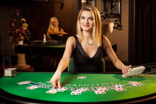 The Benefits of Playing Live Blackjack Online