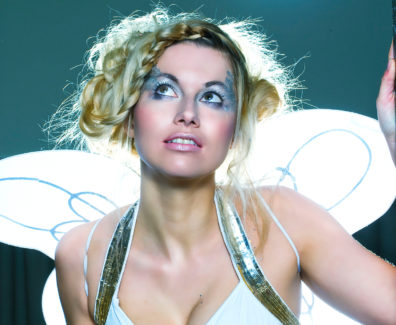 Fashion Editorial – ANGELIC White, dreamy and a bit of sparkle