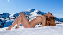 Nude Showcase – Nude in the winter