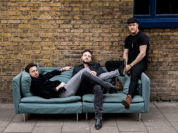 "Music Showcase – Raynes ""Come My Way"""