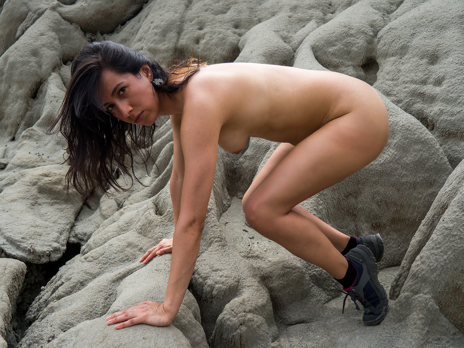 Nude Showcase – A Nude Trek in the Desert with Andrea